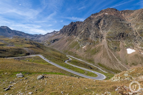 Some hairbend turns in the Timmelsjoch mountain pass road